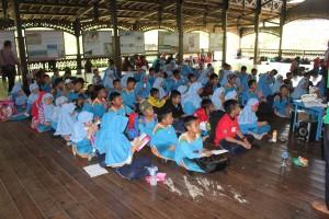 """Projection de """"Beruang Madu"""" au KWLPH, Indonésie"""